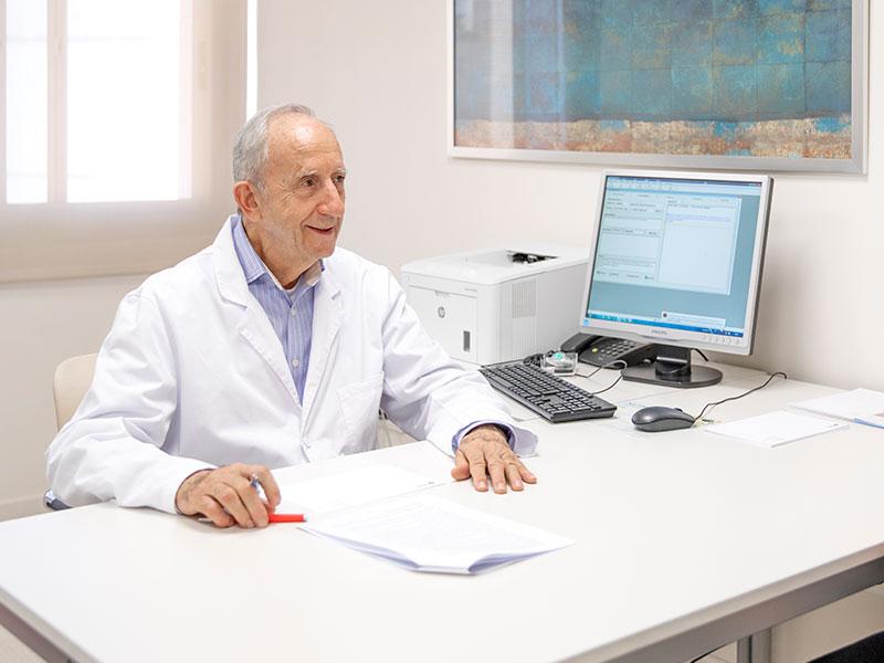 Dr.-vicente-espinosa-mejor-ginecologo-valencia